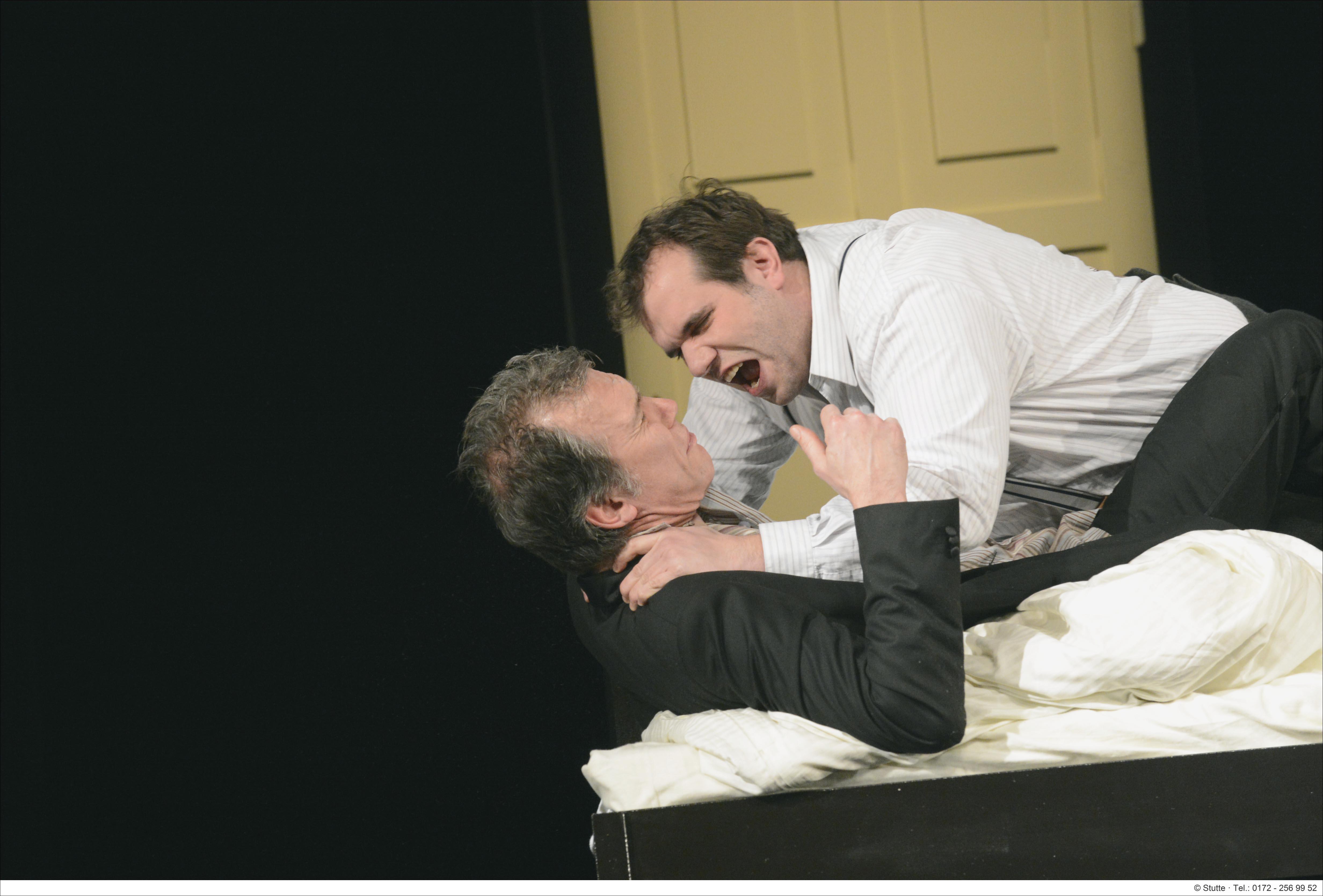 © Matthias Stutte: Paul Steinbach als Eugen zeigt Klapproth überzeugend, welch guter Schauspieler er ist