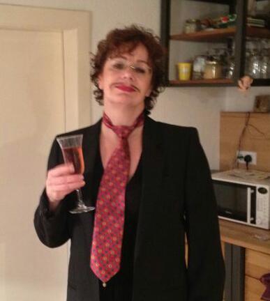 Der Anzug vom Bruder und ein Schlips reichten Susanne Böhling an Karneval als Verkleidung