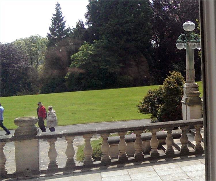 Weitläufiges Gelände um die Villa Hügel in Essen