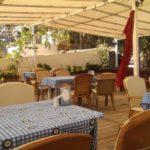 Die luftige Terrasse von Sailors House Buzokkale