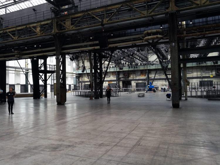 Die Jahrhunderthalle Bochum ist riesig groß