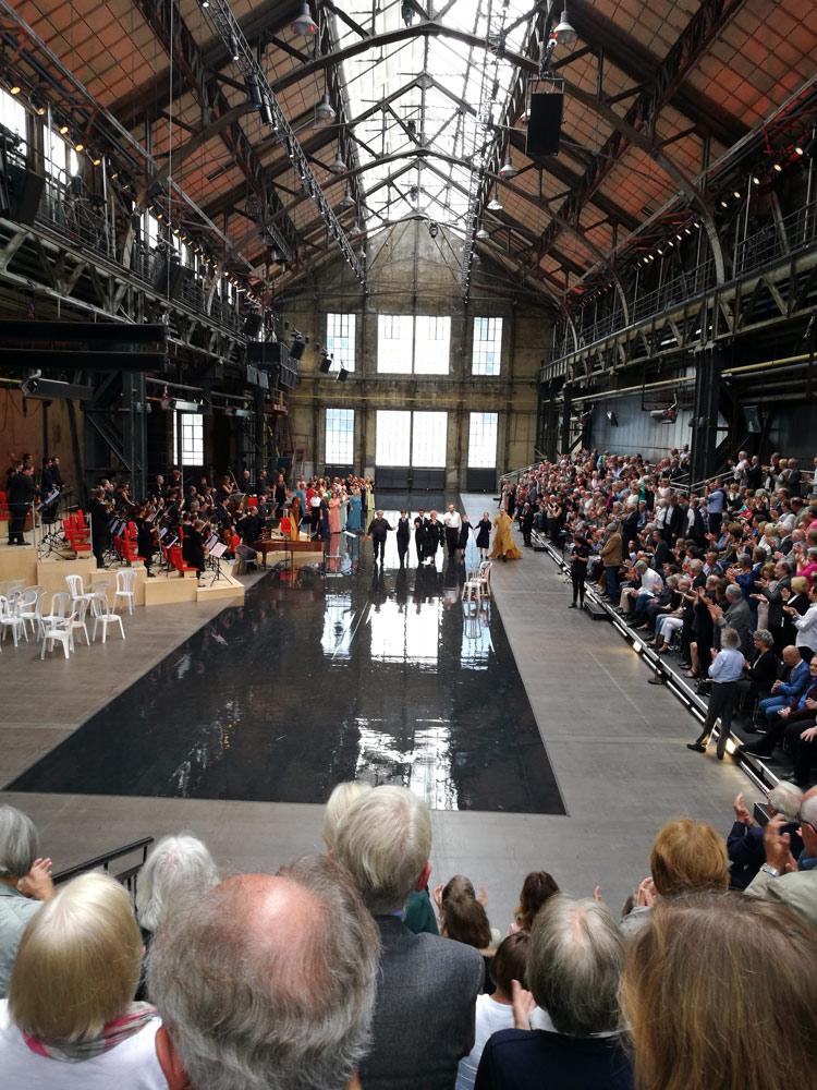 Bühnenraum für die Gluck-Oper Alceste