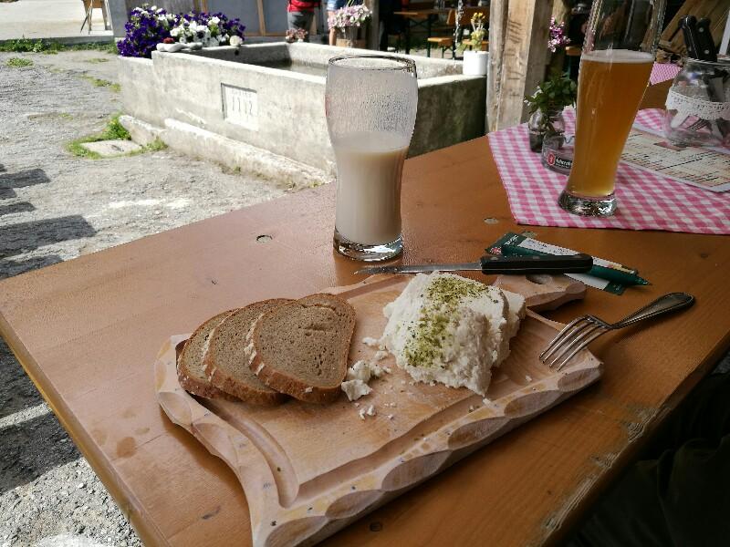 Auf der Alpe Latschätz wird Sauerkäse hergestellt