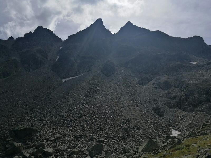 Schroffe, kühne Bergmassive sehe ich gerne. Wie auf der Schmugglertour