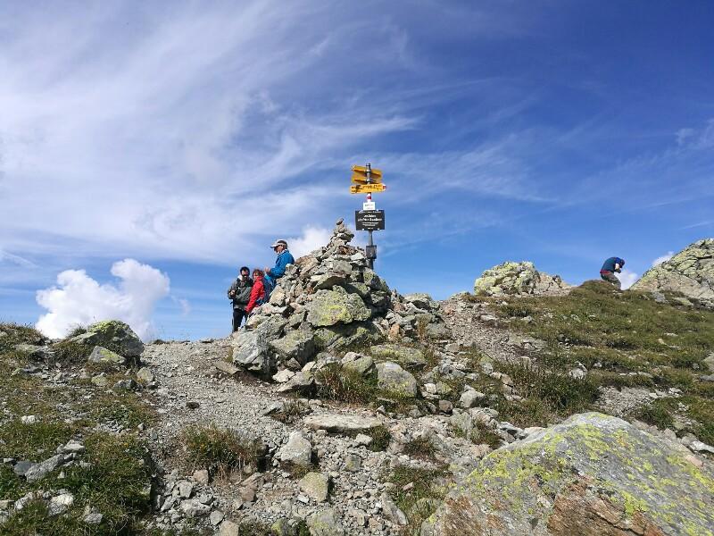 Die Wegweiser auf der Schweizerseite der Schmugglertour sind anders gestaltet