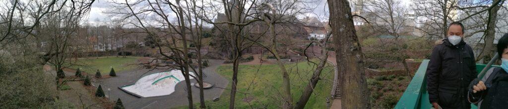 Blick vom Baumhaus im Garten des Museum Abteiberg