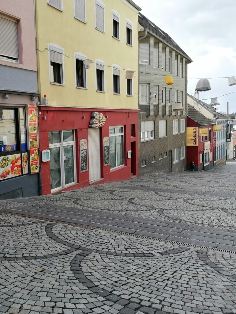 Blick auf die frühere Curry 27 in der Waldhausener Straße